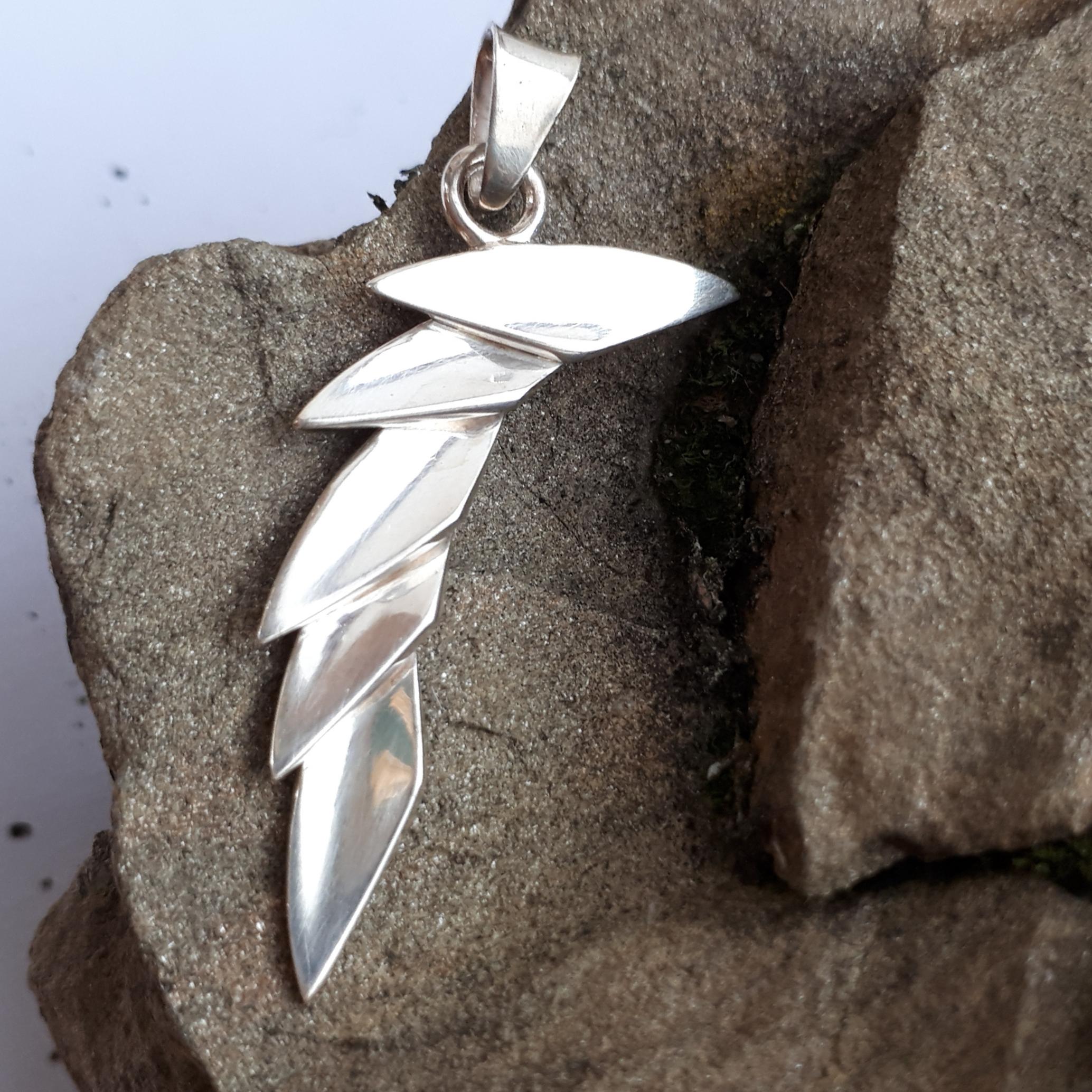 Drachenflügel, Anhänger Silber