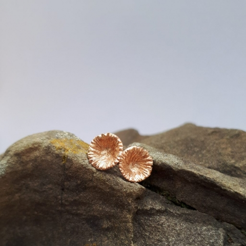 Mooskelche, Ohrstecker Rotgold