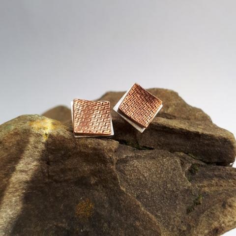 Struktur-Ohrstecker quadratisch, Silber, Kupfer