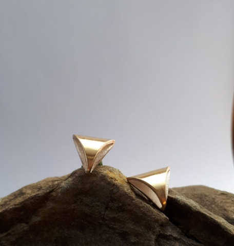 Dreieckohrstecker, Silber mit Gold belötet